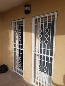 Instalación rejas puertas y ventanas segur de calafell (2)